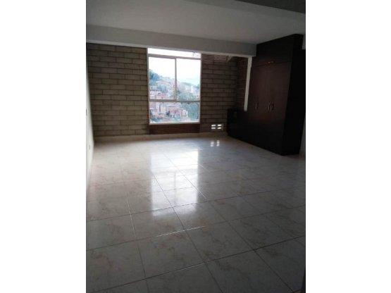 Venta apartaestudio, Bombona centro, Medellín.