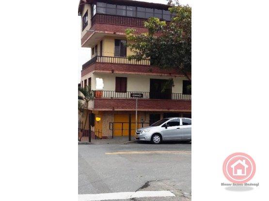 Venta Local + apartamento, Aranjuez, Medellín