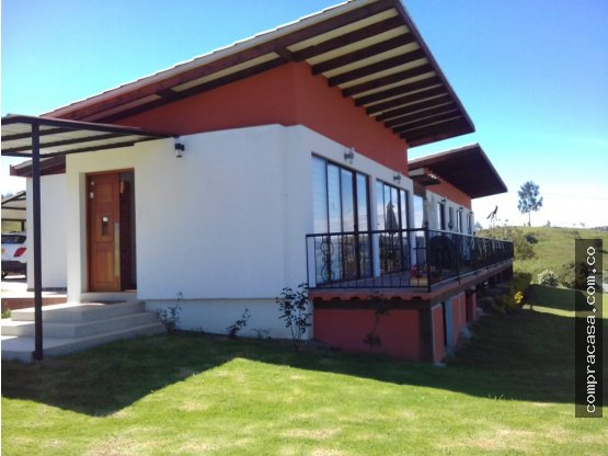 Casa- lote en venta en Paipa- House- lot for sale