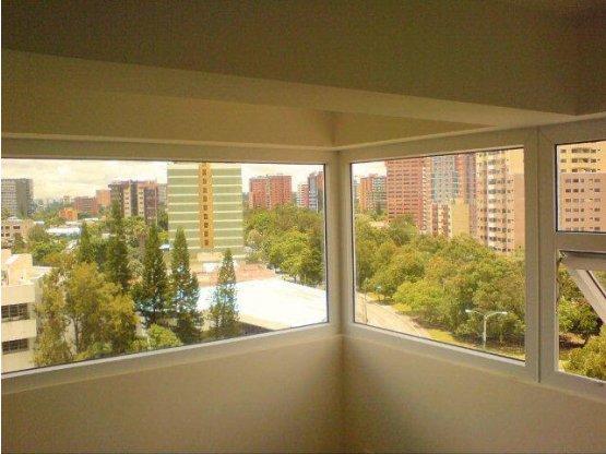 Apartamento en zona 13 Edificio Vistalago
