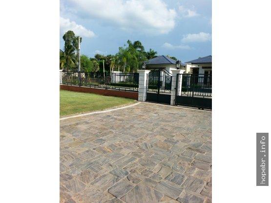 Vendo Residencia con 426 M2  en Complejo Cerrado