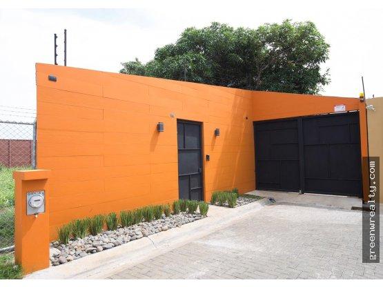 Venta de casa en La Guácima Alajuela