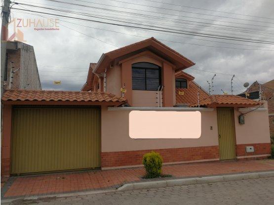Casa en venta por el Sesquicentenario, Riobamba