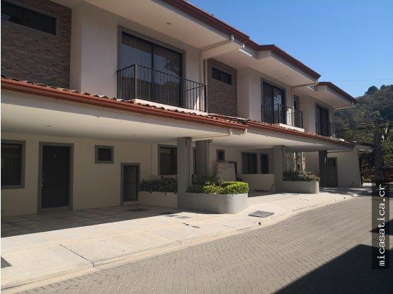 Alquiler de Casa en Rio Oro de Santa Ana