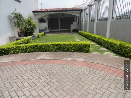 Casa en alquiler Guachipelín