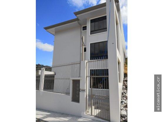Venta de Apartamentos en Edificio de 3 pisos
