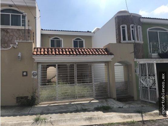 Casa con Terraza en Colinas del Rey