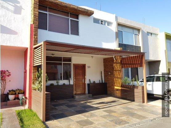 Casa 99 con Acabados de Lujo en Coto Privado