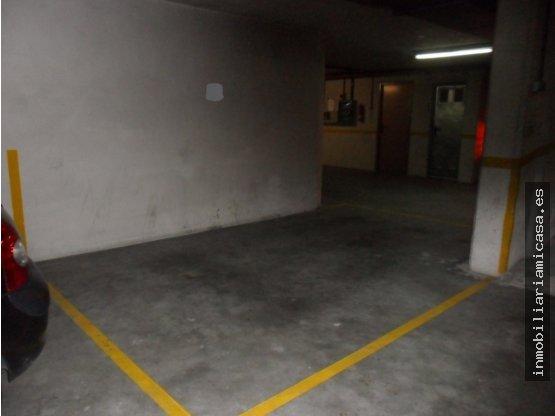 Plaza de garaje en zona Hospital Provincial