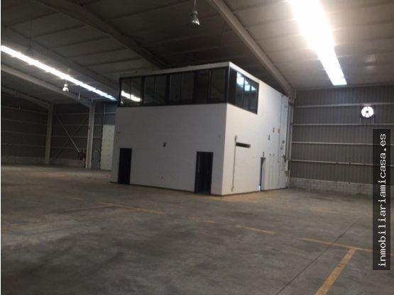 Nave industrial con 1.520 m2 de superficie