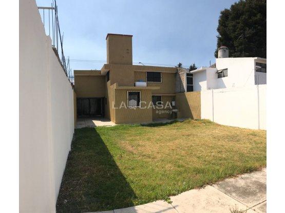 HERMOSA CASA EN ZONA DORADA DE METEPEC