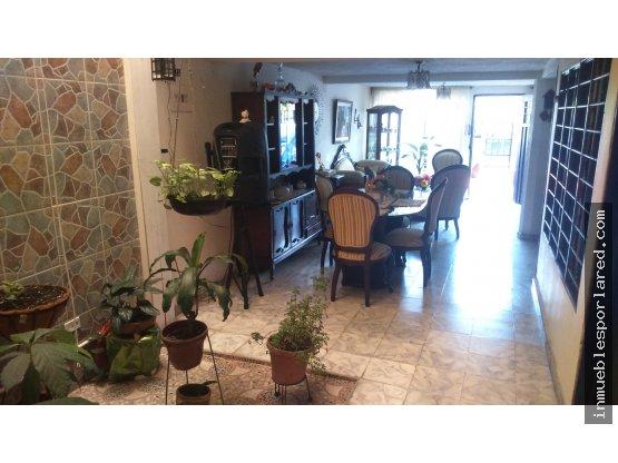 Venta Casa 2 Pisos Indptes Barrio La Selva Cali