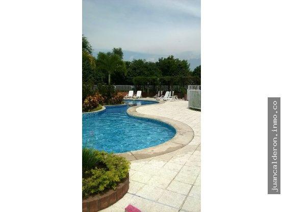 Ciudad jardin apartamento terraza de ca asgordas juan for Piscinas merino