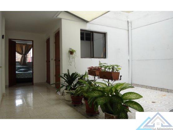 Venta de Casa en Laureles los Pinos, Medellín