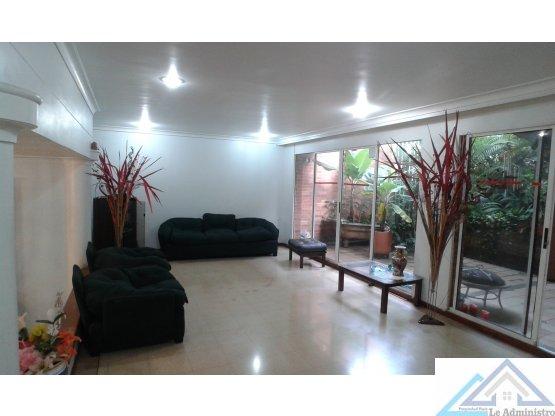 Casa en Medellin Poblado San lucas