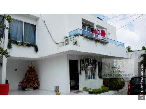 Casa en Venta Dos Plantas, garaje - Conj. Cerrado