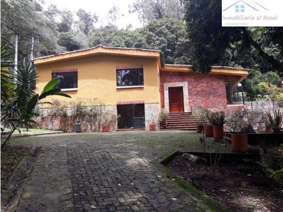 Casa Campestre en Zona Urbana