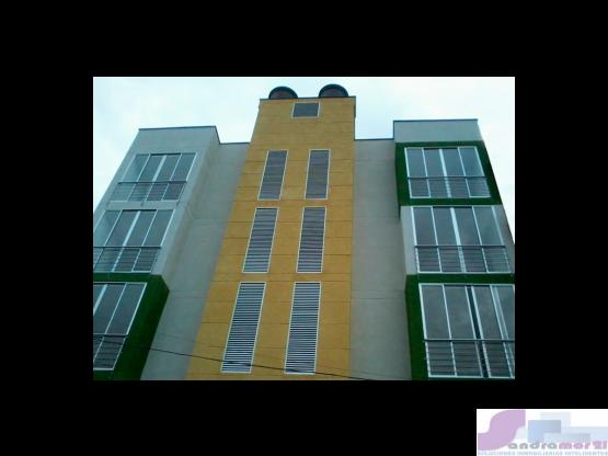 Vende Apartamento con Terraza en Ciruelos, Ibague