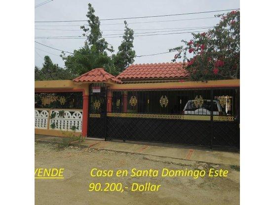 Casa en San Isidro por la carretera Mella