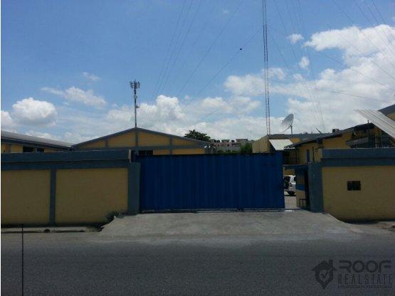 NAVES INDUSTRIALES EN LA ZONA DE HERRERA