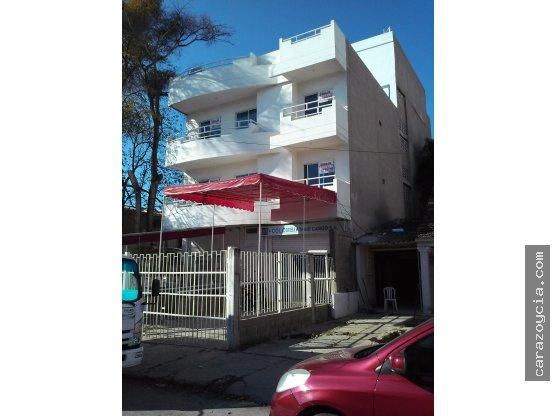 CARAZO ARRIENDA APTO U OFICINAS, BOSQUE.2º Y 3º