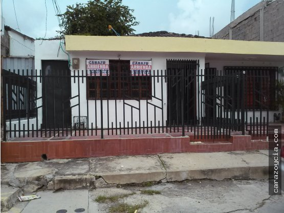 CARAZO ARRIENDA APTO ESCALLON VILLA