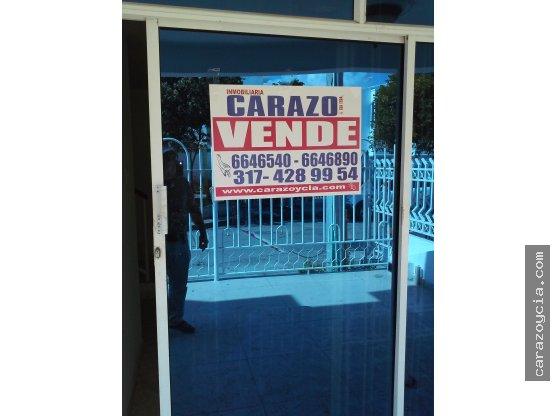 CARAZO VENDE CASA EN SEVILLA REAL