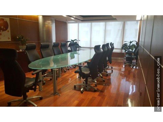 2,100 m² de oficina (2 niveles) zona 10