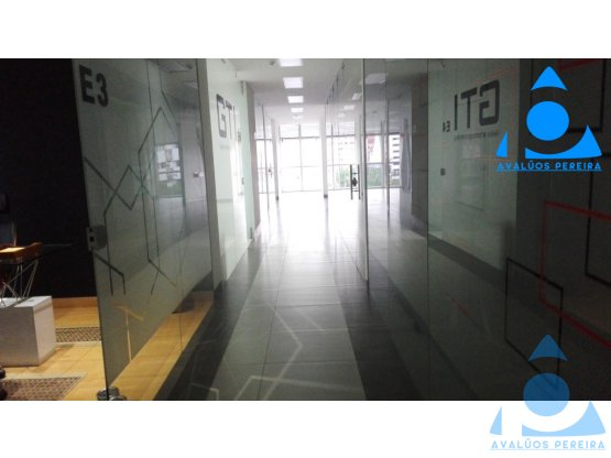 Gran oficina en el sector Pinares-Alamos, Pereira