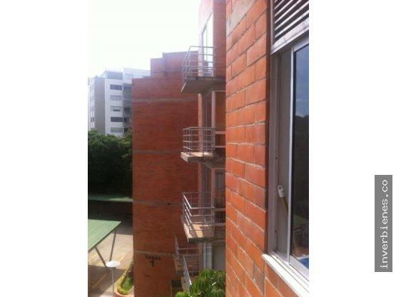 Alquiler Alcoba - C.Res. Loma Verde -