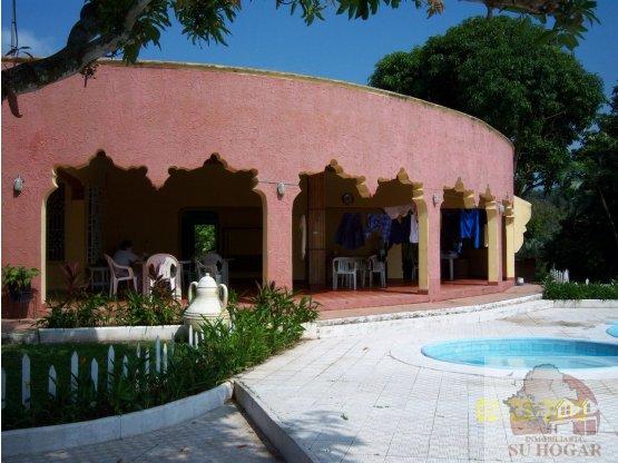 Se vende casa en Col. Brisas del Mar Puerto Cortés