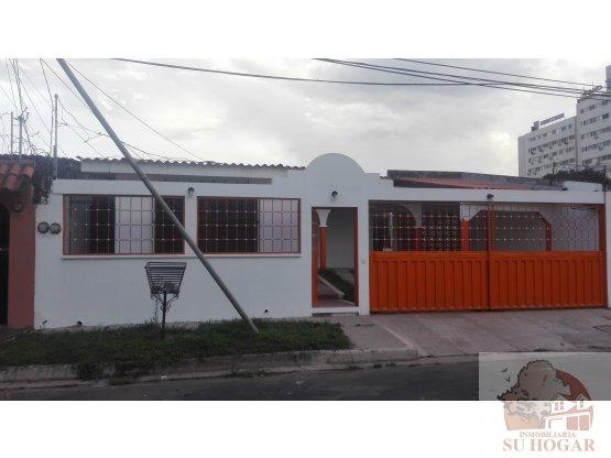 Venta de Casa en Col. Miramontes