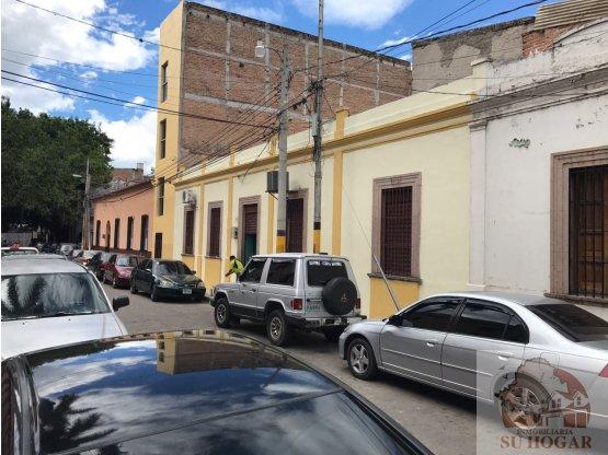 Venta o Alquiler Edificio de locales,Barrio abajo.