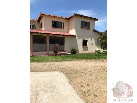 Venta de casa de playa en Trujillo Colon