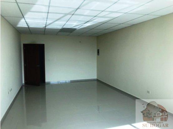 Se Alquila oficina de 37 m2 en Centro Morazan