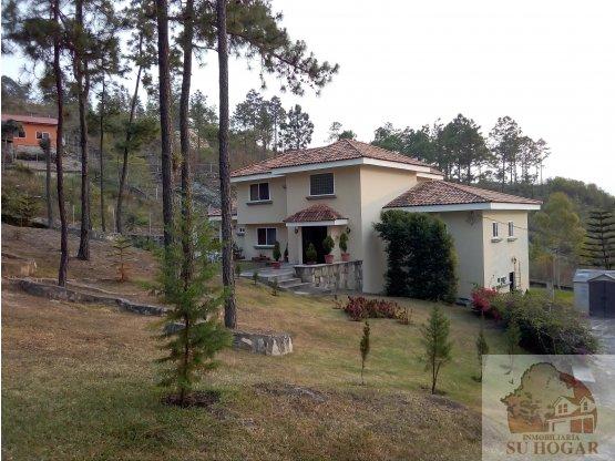 Se vende Casa en Miralagos el Hatillo