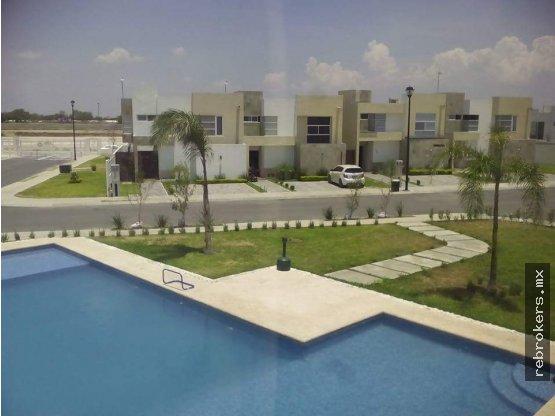 Casa en renta en crystal lagoons apodaca re brokers for Casas en renta en apodaca
