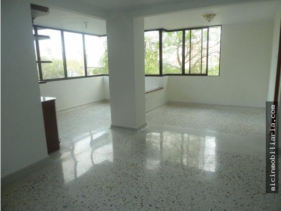 SE VENDE Apartamento en Altos de Riomar