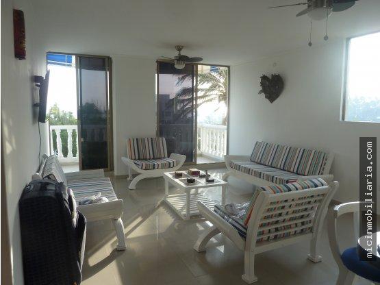 SE ARRIENNDA apartamento en Pradomar amoblado