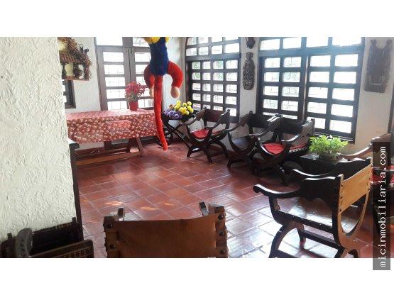 SE VENDE Casa independiente en Altos de Riomar