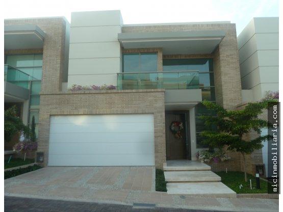 SE VENDE Casa en Villa Campestre