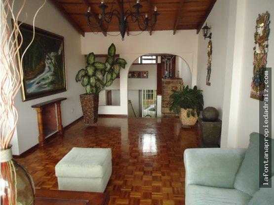 Vende casa con renta en Palermo