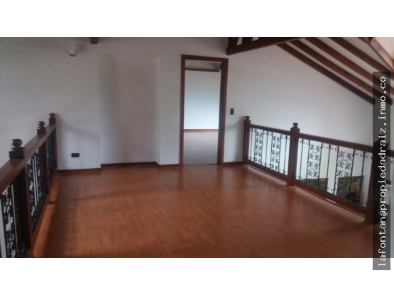 Vende casa en la Alambra
