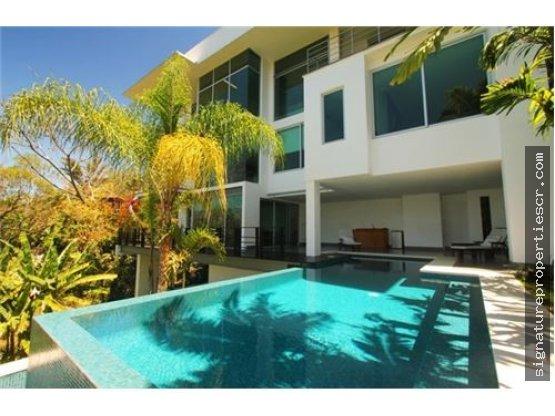 Casa de lujo en residencial privado, Santa Ana