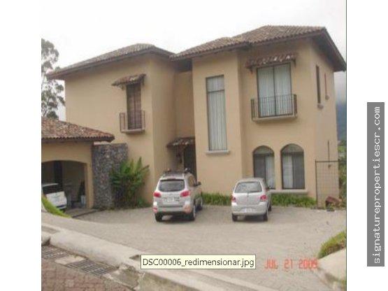 Casa de lujo en Colinas de Montealegre, Curridabat