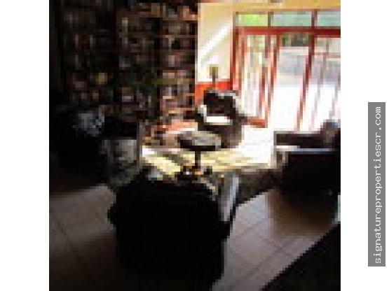 Lujosa y espaciosa casa localizada en San José