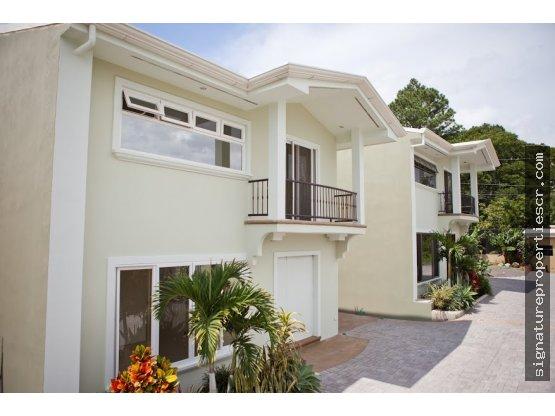 4 casas, 3 lotes, Santa Ana, Las Lajas