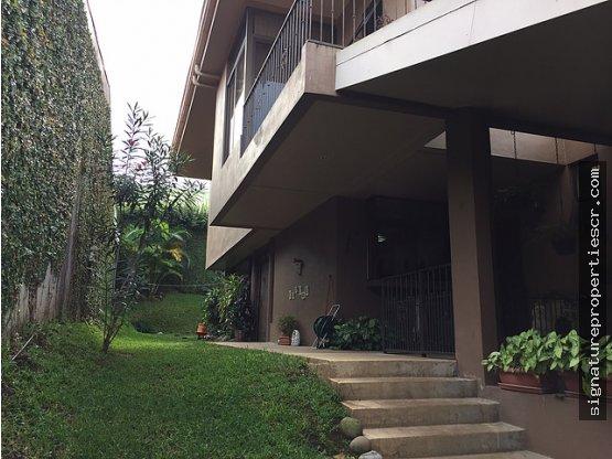 Casa de dos niveles, Ayarco Sur