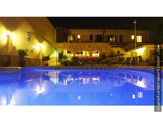 Hotel de 34 dormitorios, Heredia, Cariari