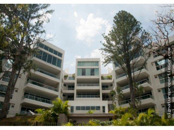 Penthouse en obra gris, Jaboncillos, Escazú